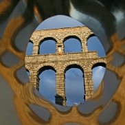 instalacion artística en Segovia - Escuela de Arte y Superior de Diseño de Segovia- artistic installation wediseñamos - España 2014 (5)